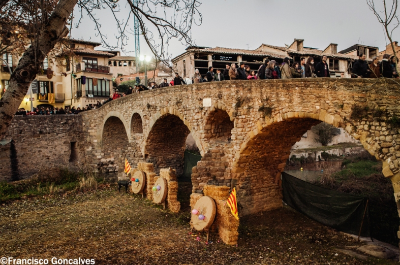 Puentes de piedra y tiro al arco / Stone bridges and archery