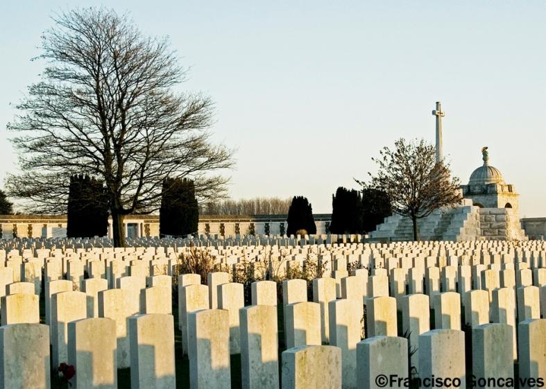 Cementerio de Guerra de la Mancomunidad de Tyne  Cot - Passendale, Bélgica / Tyne Cot Commonwealth War Cemetery - Passendale, Belgium