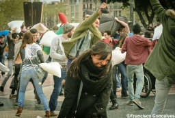 PillowFight3