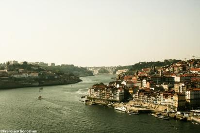 Douro River. Vila Nova de Gaia to the left.