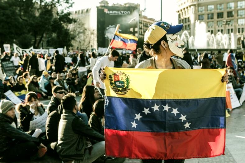 El mundo tiene que saber lo que pasa en Venezuela. Manifestación del 22 de febrero en Barcelona.
