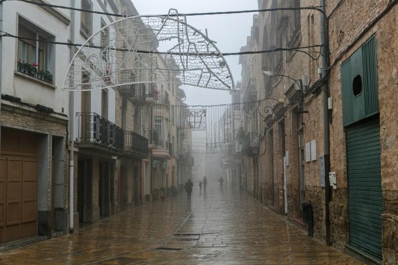 La calle bajo la niebla