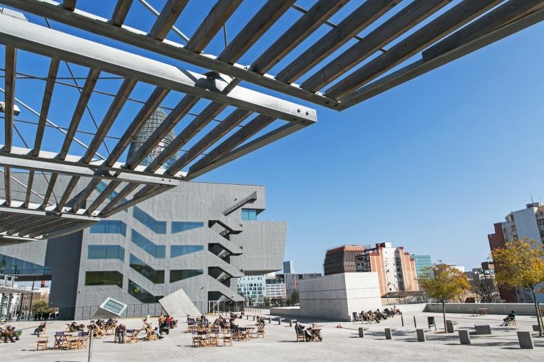 Plaza de les Glòries y el Disseny Hub