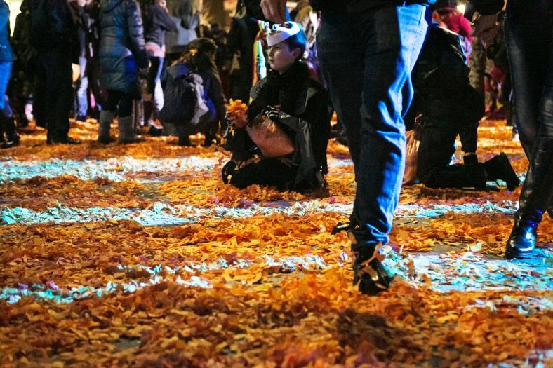 Recoger confeti del suelo, todo un clásico
