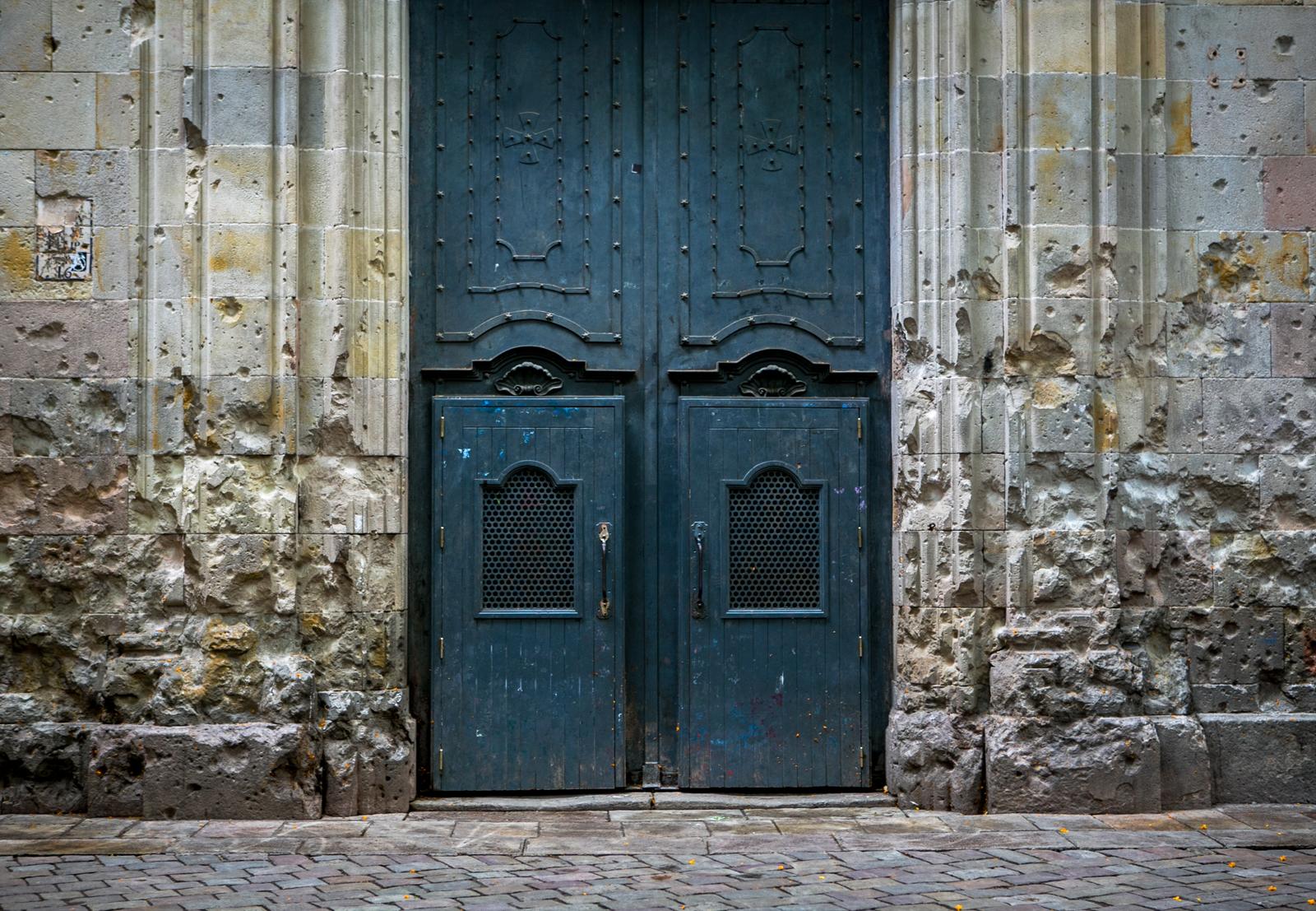 Puertas de la iglesia