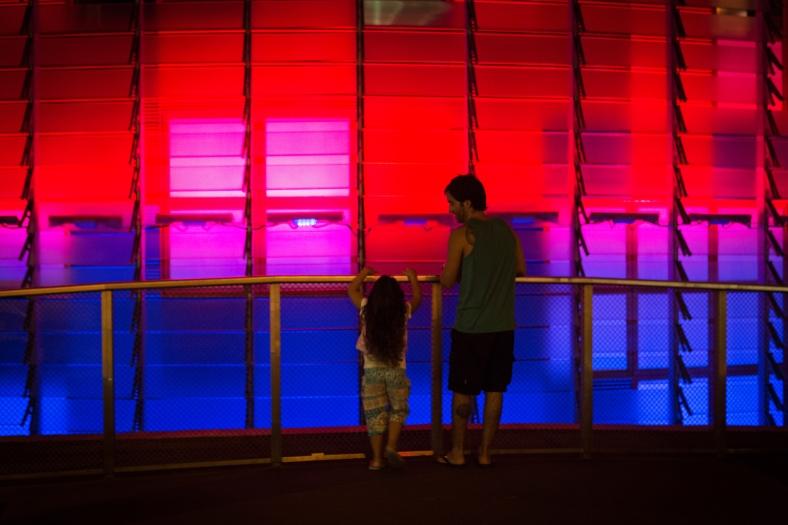 Las luces atraían niños y adultos