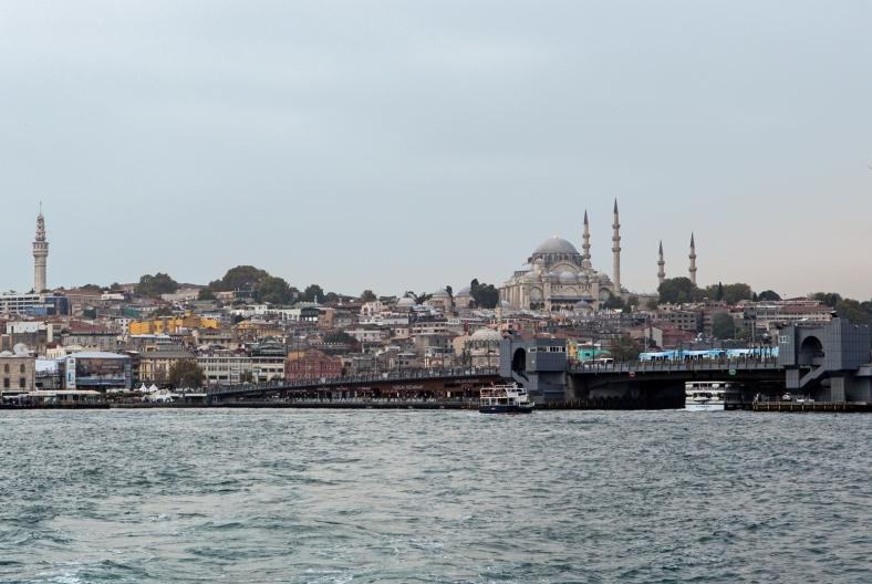 La mezquita de Süleymaniye domina el skyline de la ciudad