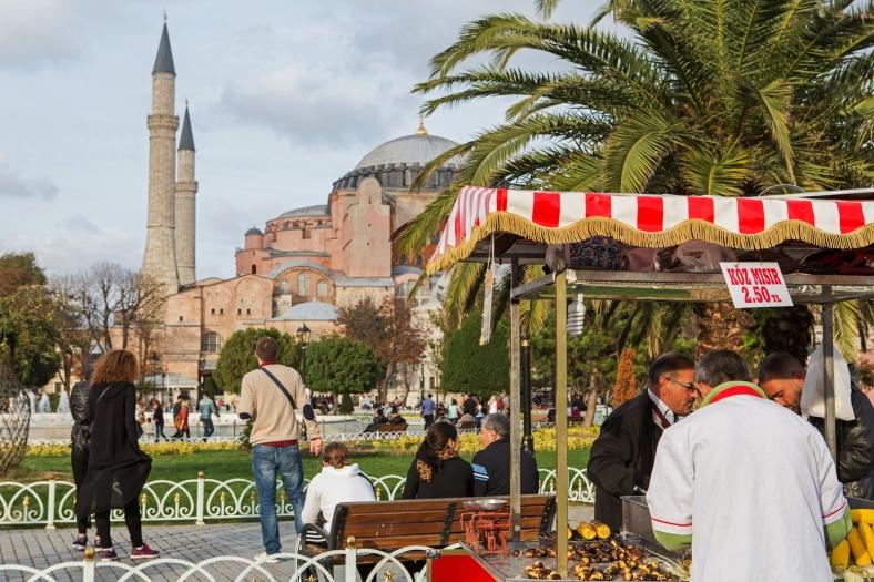 Puestos de comida en la plaza de Sultanahmet