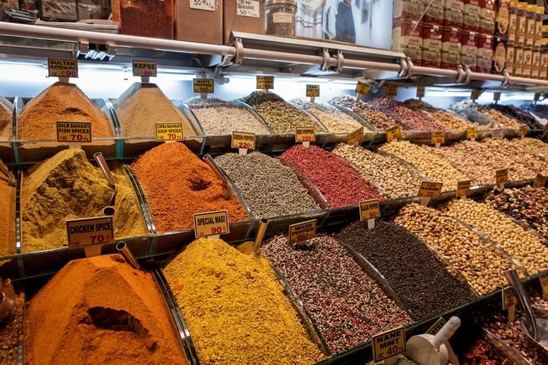 Especias y granos de todos los colores