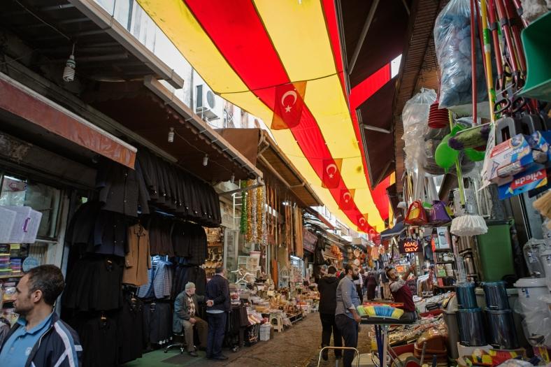 Tiendas cerca del bazar