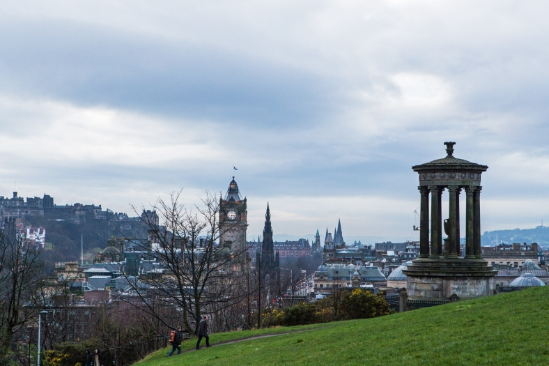 Vistas con el Dugald Stewart Monument a la derecha