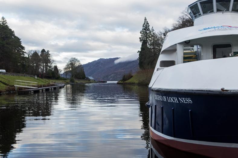Uno de los barcos que realizan paseos turísticos por el lago