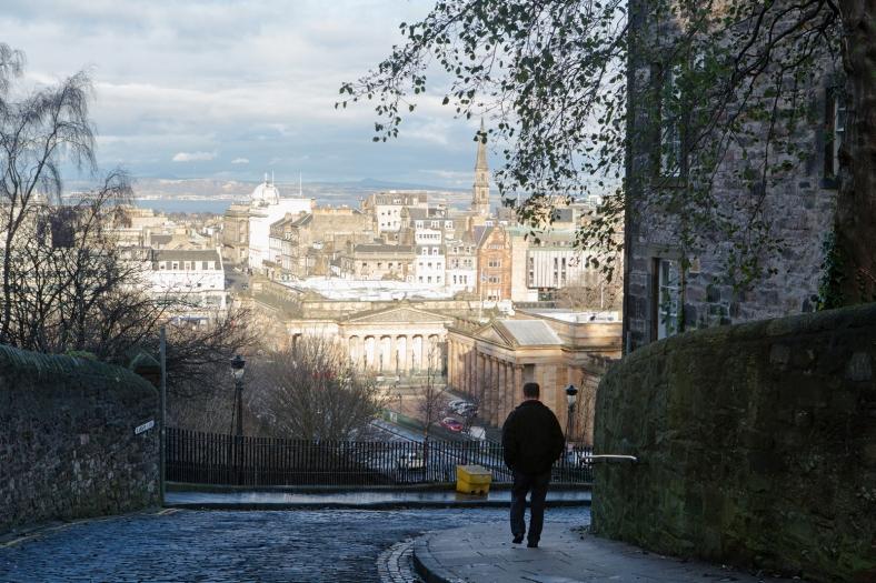 El New Town visto desde una resbaladiza bajada del Old Town.