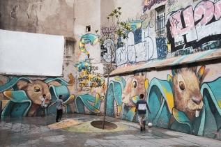 Espectacular graffiti en medio del Barrio Gótico